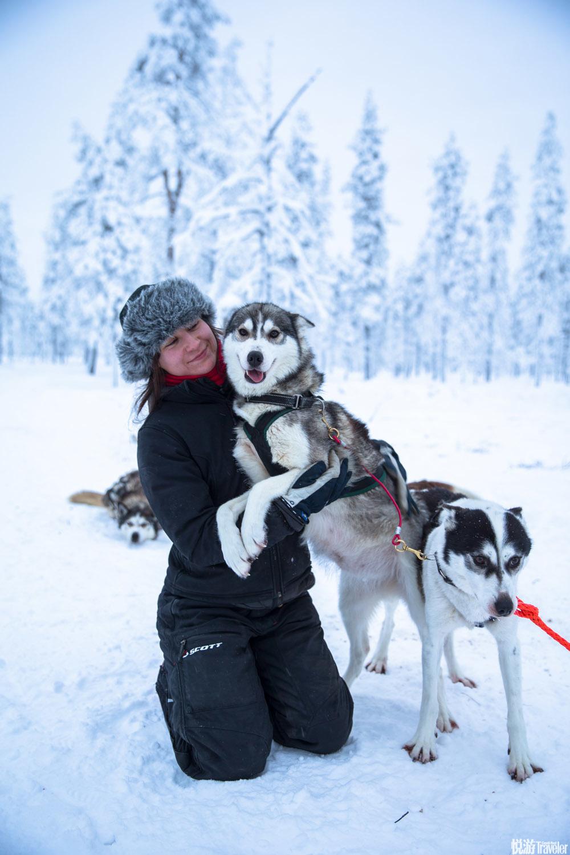"""这些巨大的""""雪树""""是森林中被飞雪完全覆盖着的树木"""
