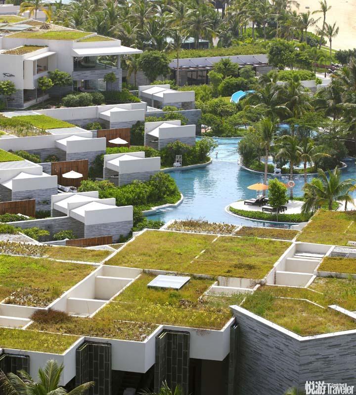 三亞半山半島洲際酒店 InterContinental Sanya Resort:毗鄰鹿回頭公園,所有客房都直面細白的沙灘和湛藍...