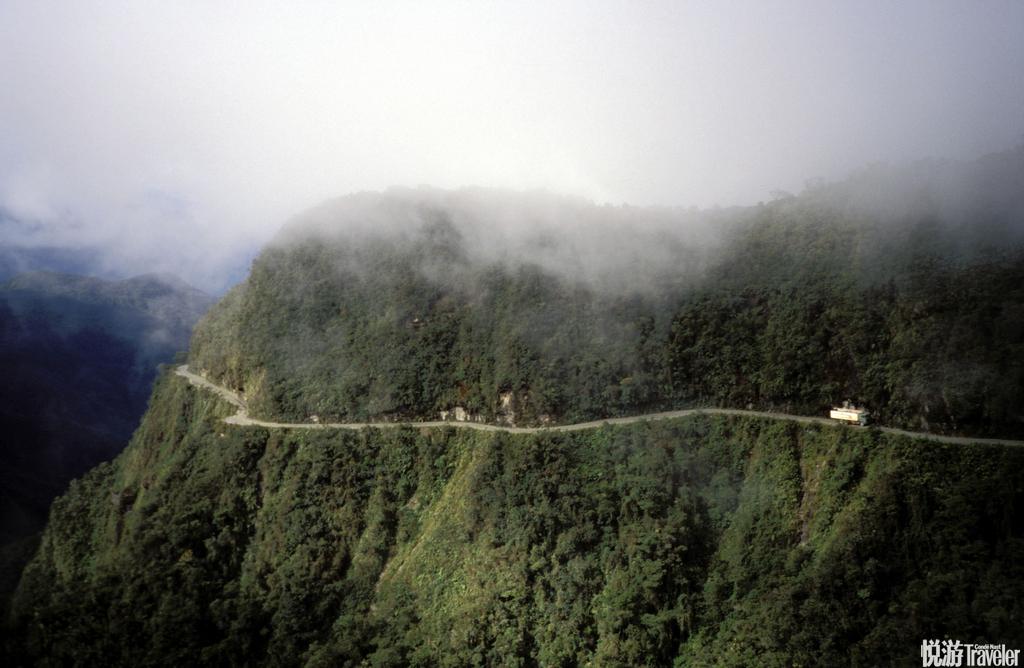 """玻利维亚北永加斯道有""""死亡道路""""之称的北永加斯道,公认为世界上最危险的道路。北永加斯道位于南美玻利..."""