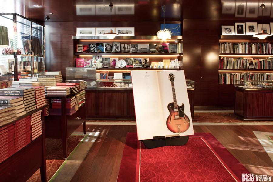 """酒店设有自己的画廊""""Art District"""",此外还附设一座藏书超过700册的当代艺术书店""""La Librairie des Ar..."""
