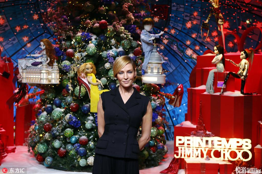 当地时间2016年11月3日,法国巴黎,乌玛-瑟曼助阵Jimmy Choo巴黎新店剪彩仪式。