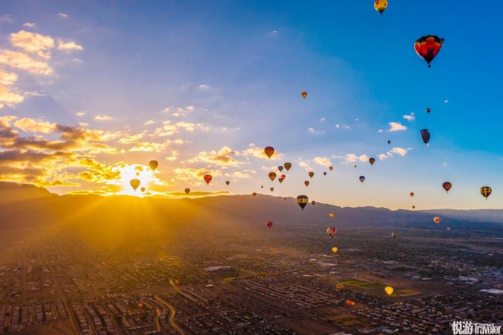 美国阿尔伯克基阿尔伯克基可谓是世界热气球爱好者的最大聚集地,也是见证数以百计的绚丽气球漂浮空中的理...