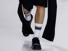 关于袜子与运动鞋的各种可能性