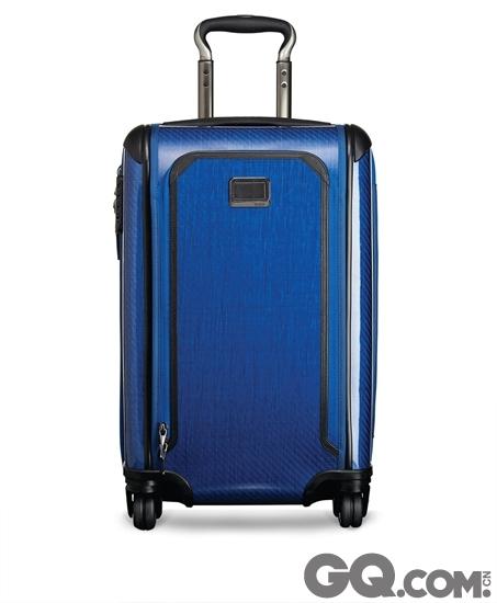 新一代Tegra-Lite正式面世。TUMI Tegra-Lite系列硬边行李箱以坚固耐用,功能多样闻名。品牌今秋为系列加添新成员,推出全新Tegra-Lite Max。Tegra-Lite系列揉合轻巧设计及品牌专利创新物料,为跨国旅客度身订造多款全新功能,包括前幅外袋和拉链式扩充容量设计。全新Tegra-Lite® Max在原有系列上加添升级元素,秉承TUMI产品一贯理念,以创新技术和精妙设计为主,其中包括U型拉链外袋、容量扩充间隔、全新360°旋转双滚轮及TUMI专利Durafold™结构和 X-Brace 45®伸缩手把系统。