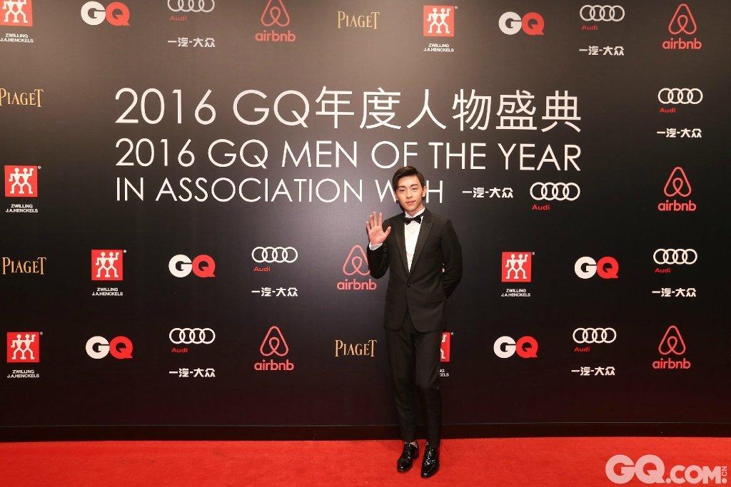 邓伦出席2016GQ年度人物盛典。