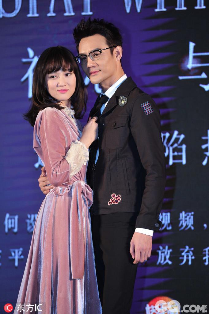 横亘于陈乔恩、王凯和乔任梁三人间的职场爱情纠葛扣人心弦,而秀场之上,琳琅满目的婚纱秀品更是吸睛。