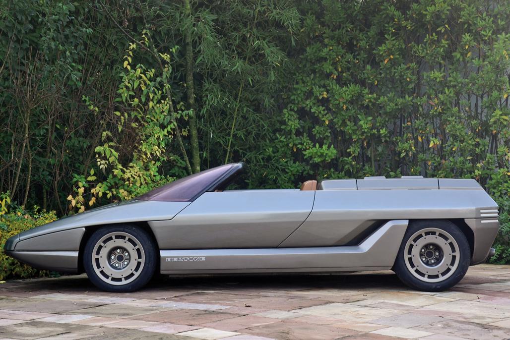 每次看到兰博基尼的跑车都会不禁感叹:他们的设计师是如何在长达50年的时间里一直保持这种充满侵略性和神秘感的设计?如果你对兰博基尼的量产车已经佩服得五体投地,那么今天你看到的这些匪夷所思的概念车恐怕又会颠覆你的三观。