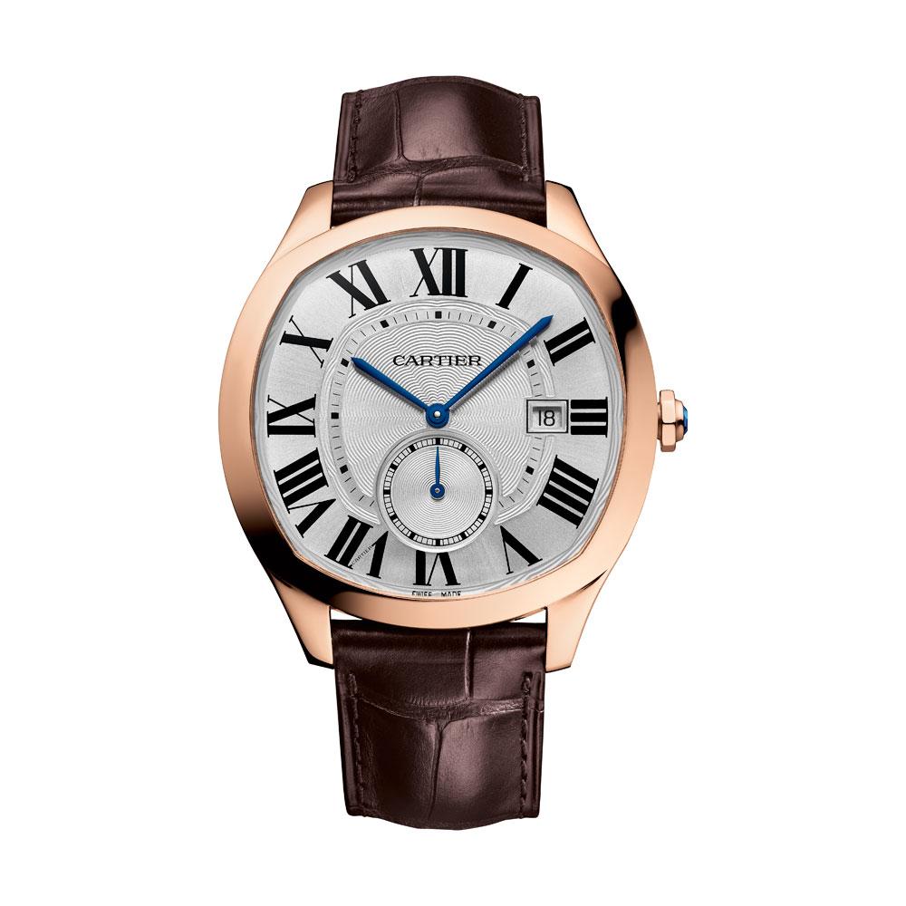 另外四款Drive de Cartier腕表搭载 1904-PS MC型机芯,具备时分显示、小秒针和日期显示功能。