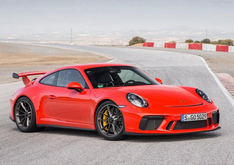 作为第七代保时捷911的最新款车型,Porsche 911 991.2 GT3拥有复杂的名字和代码,仿佛是秘密俱乐部的某种召唤暗号一样。