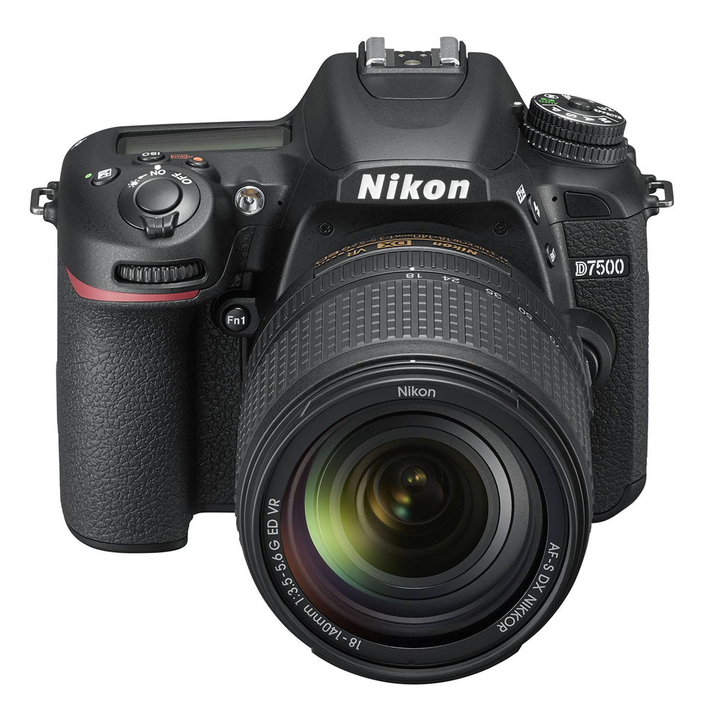 NO.2 尼康D7500 尼康是一家具有百年历史的影响企业,可见在这个领域有一定的地位。今年尼康带来的是全新的单反相机—D7500,是D7200的升级版。尼康D7500采用的是有效像素数约2088万的CMOS传感器。此款相机能够实现8张/秒的连拍速度,支持4K视频拍摄,这些都是依靠EXPEED 5 影像处理器。51点弱光对焦系统也放在了尼康D7500,能够实现AF自动对焦。