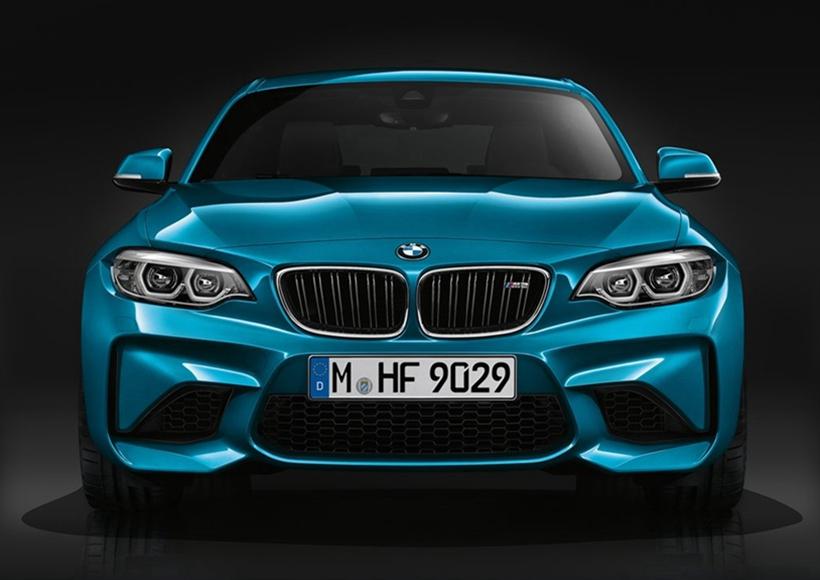 外观方面,新款宝马M2车型将换上宝马最新的自适应LED光源,灯组内部点亮后的造型相比现款车型将有所区别,而前保险杠和进气部分则和现款车型基本维持一致。