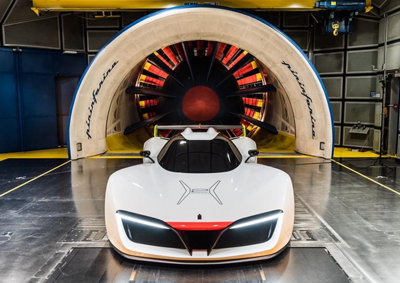 而重中之重的是,H2 Speed采用了一套氢燃料电池动力系统,并且,与该系统一同工作的还有制动能量回收系统。