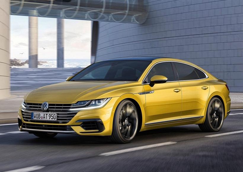 新车前脸风格比较独特,与大众 CC的风格十分相似。横条幅格栅与灯组内的LED光源相连,带来更舒展的视觉效果,还配备全LED大灯组。