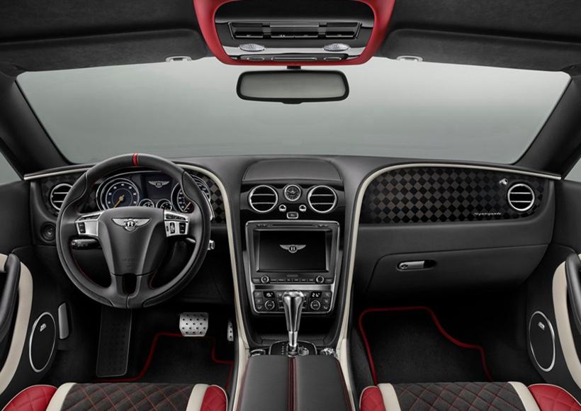 宾利家族中的强大的W12发动机,重新开发了Supersports的新型高性能涡轮机和发动机硬件,创造了一个敏捷强大的Continental Supersports,同时,独特的外观造型提供了新的模式,突出了其性能潜力,提高了运动风格。