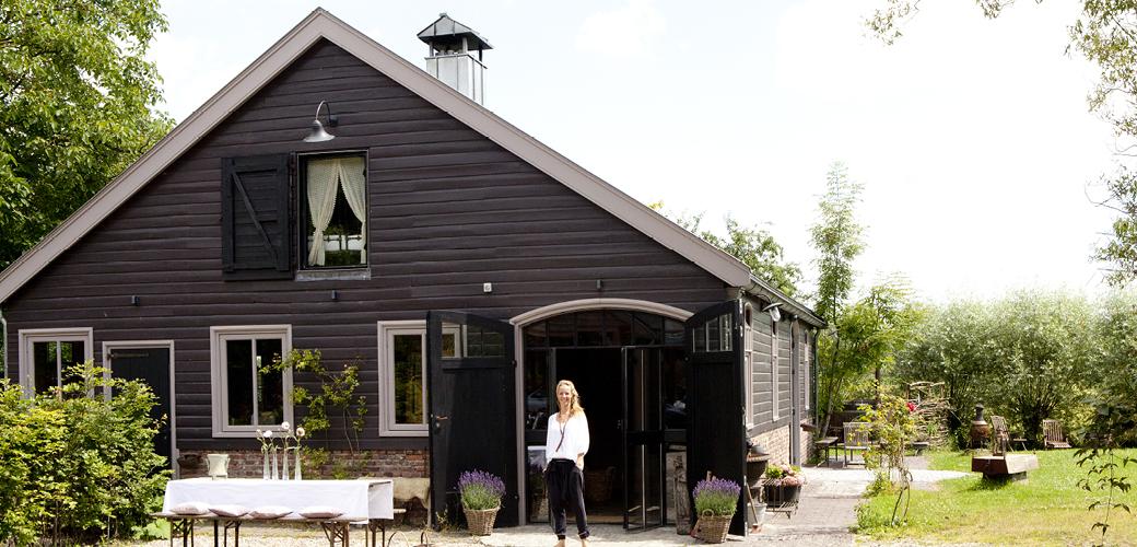 一位荷兰女演员的自我修养:种菜、养鸡、修谷仓