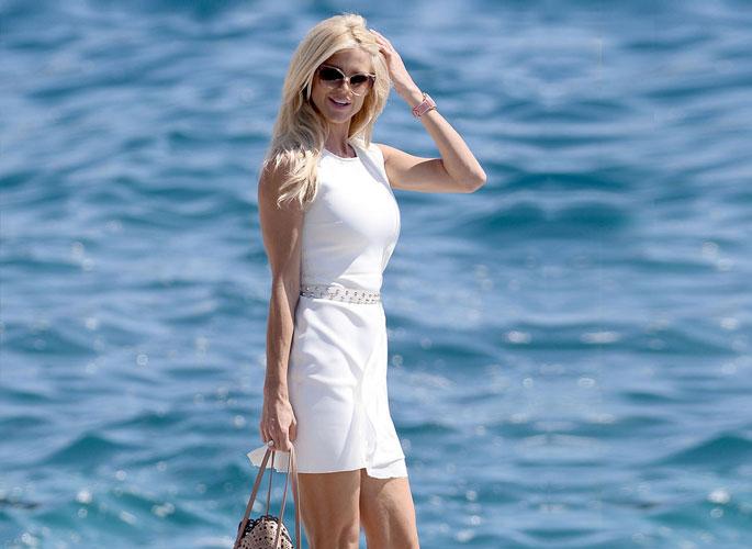 """人前人后""""都要美 她们在戛纳红毯也在海滨度假"""
