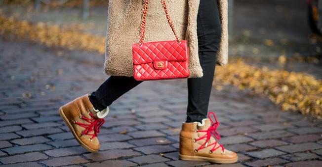 那些穿着高跟鞋到不了的地方,穿着雪地靴都可以