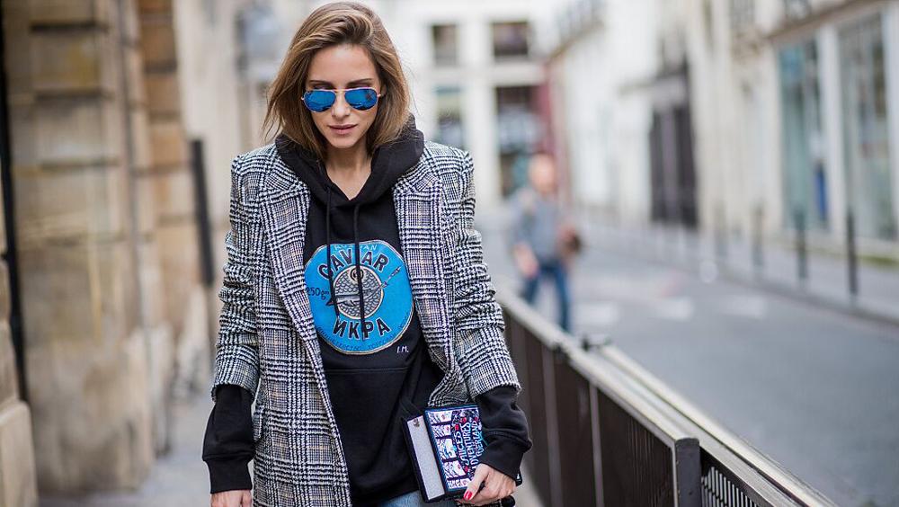 一件卫衣 就能让你的大衣时髦得不一样