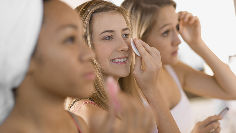 并非人人都會卸妝,選對+會用才是肌膚干凈的秘訣