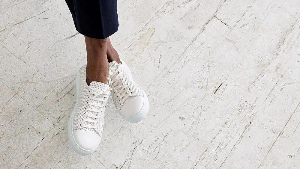 百搭不受限,一雙高顏值小白鞋完美拯救你的穿搭荒