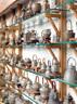 萨洋收藏的温酒器、酒壶和茶壶。