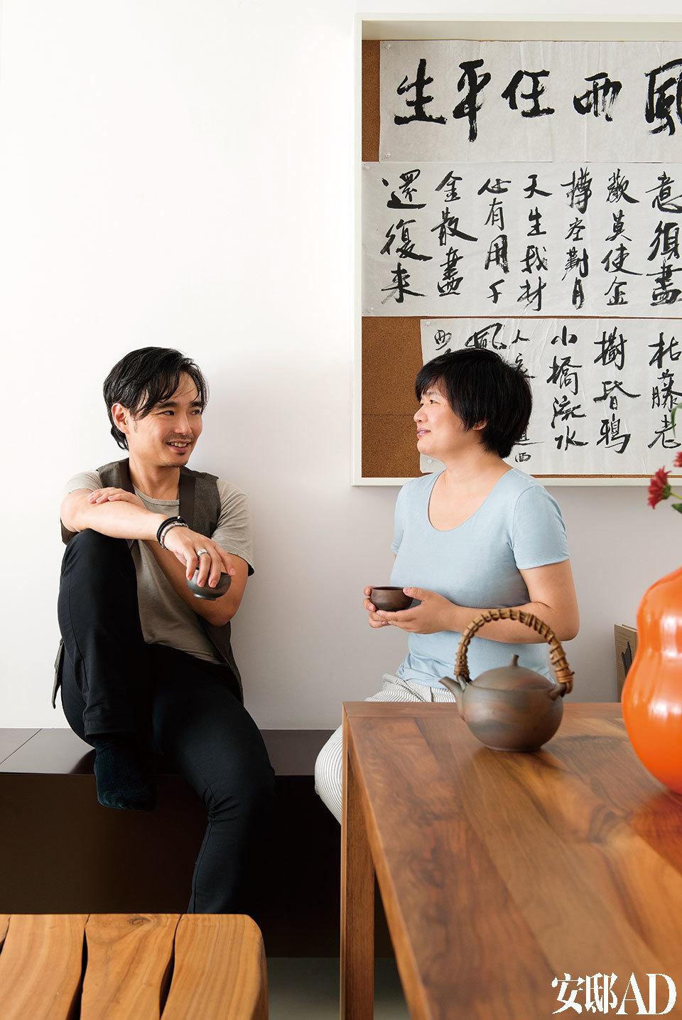 建筑师Frank Chiu(左)与主人杨玲(右)。
