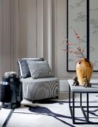 鸟的元素在这个家里反复出现,搭上些许花枝,中式的美便呼之欲出。
