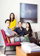 主人: 先生Yann Francioli(杨帆),25年前,带着对神秘东方文化的向往,来到中国学习,如今是法国高端瓷器银器品牌Ercuis & Raynaud品牌中国总裁,与从事艺术工作的太太文嘉、女儿Oceane及儿子Thomas生活、工作在北京。文嘉,出生于上海,做过西门子艺术项目部负责人、香格纳画廊北京负责人,现在是艺术家曾梵志的艺术品顾问,元·空间执行总监。
