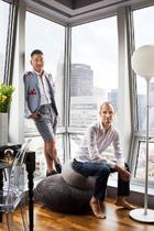 主人大齐(左)与室内设计师Santiago Tomás(右)。