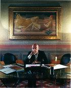 主人: 马里奥·贝里尼(Mario Bellini),1935年出生于意大利米兰,30岁不到便获得工业设计界的最高奖项金罗盘奖。贝里尼的设计生涯横跨产品、建筑和城市设计,并在产品和 建筑设计领域都取得了非凡的成就,是当今在世的为数不多的意大利现代主义设计大师之一。贝里尼的家位于米兰市中心Brera区域,两边分别是奢侈品旗舰店,邻居也是时尚大师阿玛尼先生。