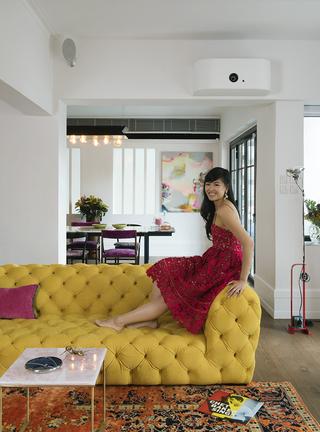 当单身公寓里有了女主人,一切都变得不一样……