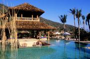 董里(Trang)沿着海岸线那洁净的白沙滩和美丽的珊瑚礁岩让人们流连忘返,去董里,尽情体验热带海洋风情。