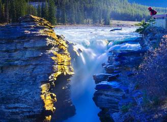 加拿大上榜最佳旅行地 46个国家公园免费一整年!
