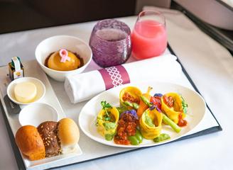 卡塔爾航空將植物性餐食帶上高空 為貴賓旅客首推純素食航空餐