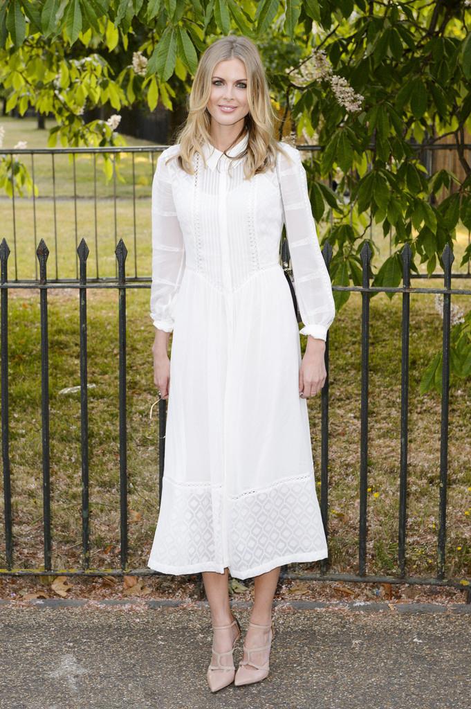 女明星白色连衣裙搭配图片