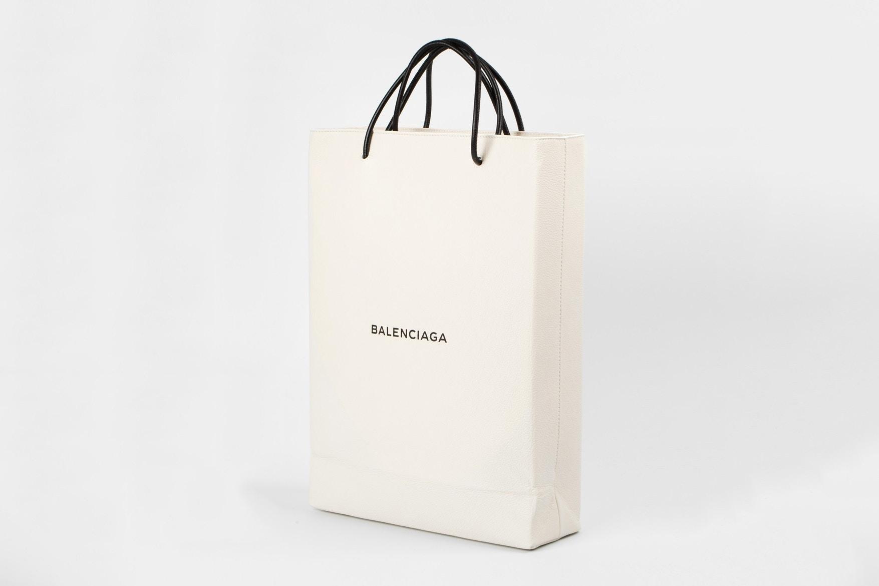 宜家袋之后 Balenciaga又出产天价购物袋_风潮流动_GQ男士网