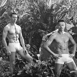 林丹自创内衣品牌 丛林赤裸大秀子弹肌
