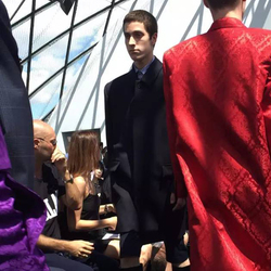 男装周巴黎Day1  Balenciaga首秀大玩线条艺术