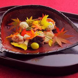 北京丽思卡尔顿酒店邀米其林二星厨师高木一雄(Takagi Kazuo)再掀美食艺术盛宴