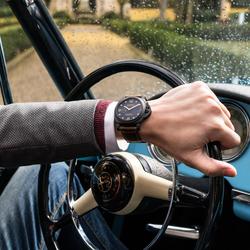 霍建华腕表之选 哑黑表面饶富质感