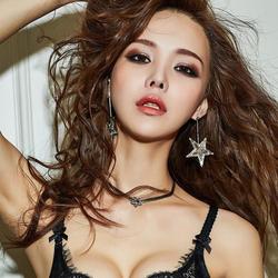 韩系热辣女孩