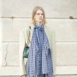 Balenciaga 巴黎世家推出首个早秋男装系列