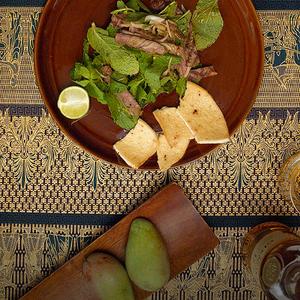 一分钟学会做东南亚薄荷牛排沙拉