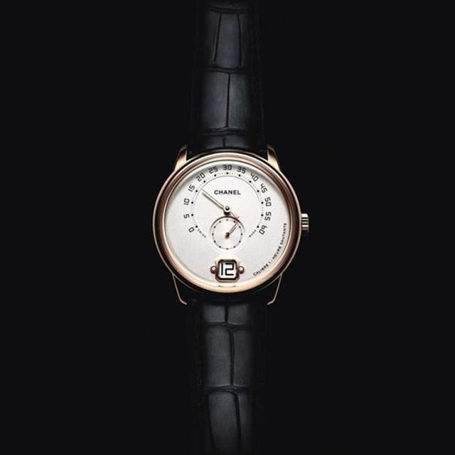Daily | Chanel推出首款男表