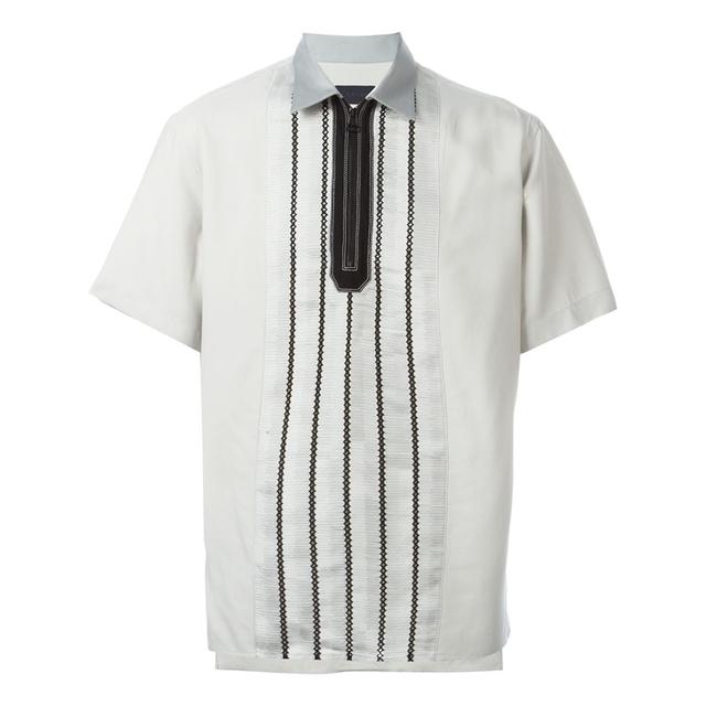 潇洒自如的拉链式Polo衫