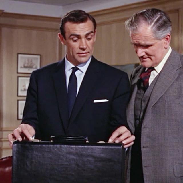 """每位绅士都有一只方方正正的""""箱子"""""""