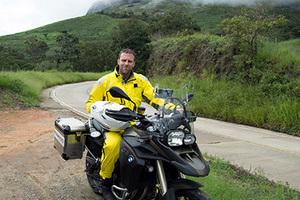 白锐匀:摩托车上的探险之旅