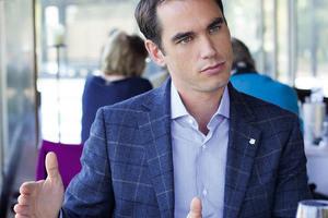 新绅士 | 亨利慕时CEO:靠实力说话