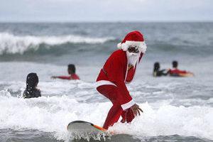 全能圣诞老人来袭!滑雪灌篮骑车无所不能