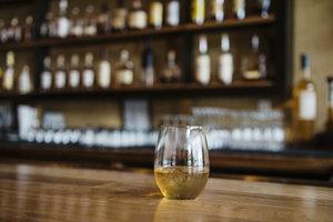 来做一名威士忌专家